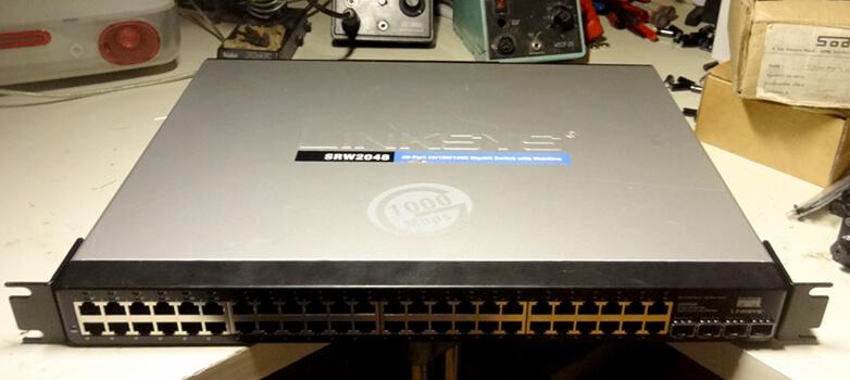 Réparer un switch Cisco Linksys SRW2048