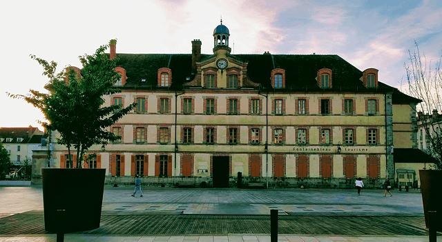 Place de la République de Fontainebleau (Septembre 2018)